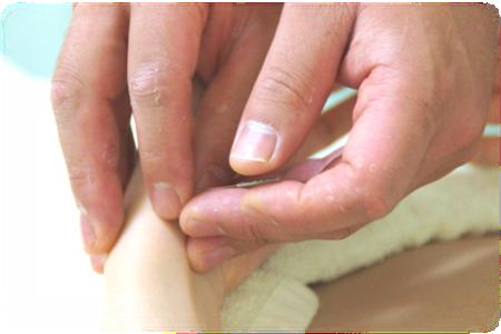 手首への鍼(脈の調整)
