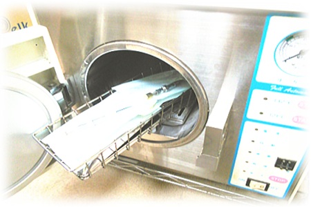 高圧蒸気滅菌機(オートクレーブ)による滅菌